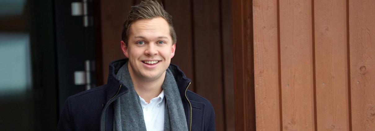 Eiendomsmegler Marius Haraldstad skal holde visning